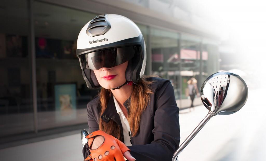 ba6e44aa00aa4 El casco Schuberth M1 está fabricado en fibra S.T.R.O.N.G.